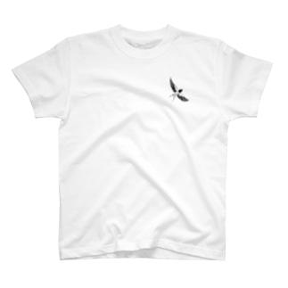 綾鷹(AYATAKA)の水墨画 『燕』 T-shirts