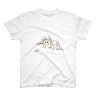ありを見る姉弟 T-shirts