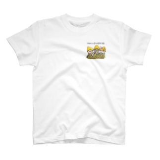 とうもろこし 🌽猫ちゃん🐱🐱🐱ワンポイント T-shirts