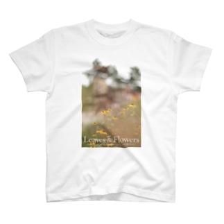 Leaves & FlowersのLeaves & Flowers Tシャツ T-shirts