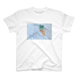 ベジタリアンにんじん T-shirts