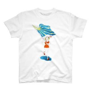 夏が来たよと旗振り走る T-shirts
