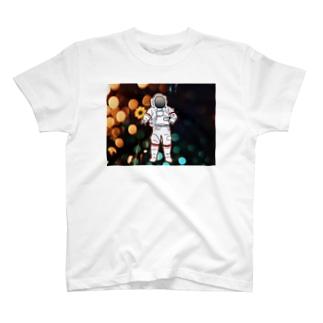 地球防衛隊! T-shirts