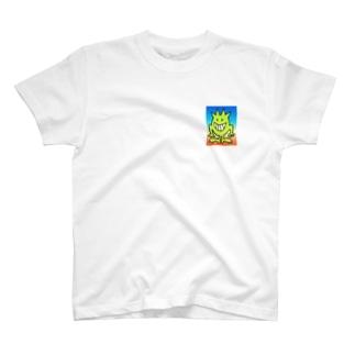 夏のビーチに潜む未知の生物 T-shirts