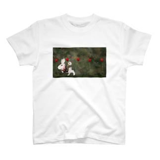 忙しいうさぎ T-shirts