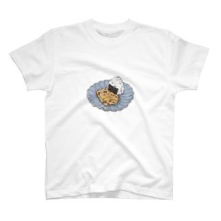 おにぎりとたまごやき T-shirts