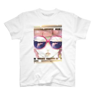 奇抜系女子 T-shirts