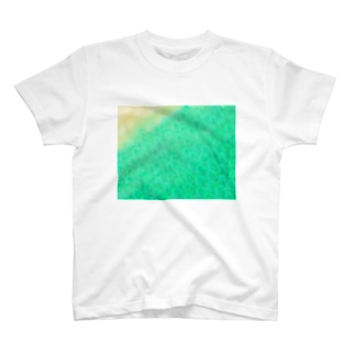 波打ちぎわの半魚人 T-shirts