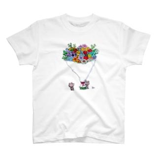 花束とクマ T-shirts
