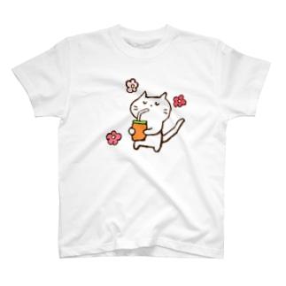 じろにゃんとおいしいドリンク T-shirts