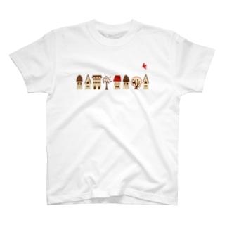 家並みと赤い鳥  T-shirts
