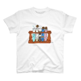 不思議な試験管 T-shirts
