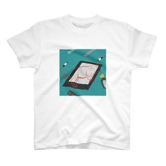 お習字セットと犬 T-shirts