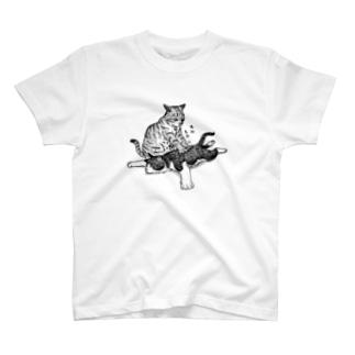 揉む猫 T-shirts