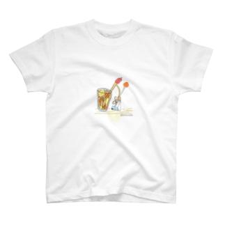 カレーは飲み物 T-shirts