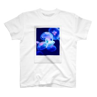 訓子kunkoの揺れる(Polaroid) T-shirts