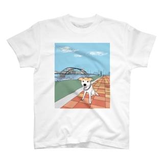 ロビンとお散歩 T-shirts