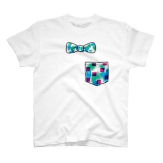 蝶ネクタイ(大きめ)とポケット T-shirts