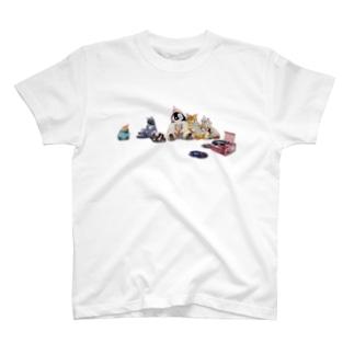 みんなで昼寝 T-shirts