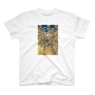 展览女子 T-shirts