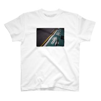 台北の道路_人行道 T-shirts