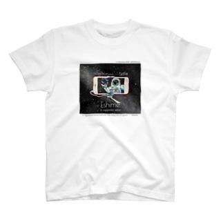 ゑ〆  宇宙の日常の白色ver 宇宙の日常シリーズ 自撮りpart.1 T-shirts