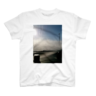 砂ぼこりの乱舞(車窓編) T-shirts