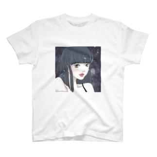 黒髪ロングの女の子と桜 T-shirts