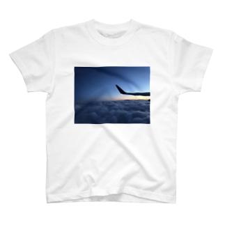 夜明け前 T-shirts