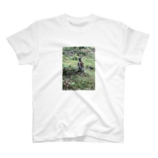 バチアタリ T-shirts