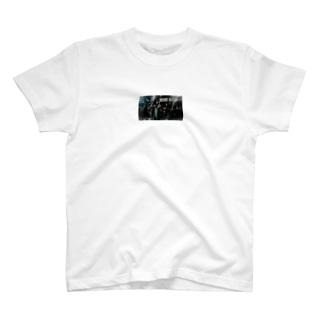 EDEN HALL2020アー写ポーチ T-shirts