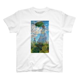 散歩・日傘をさす女 T-shirts