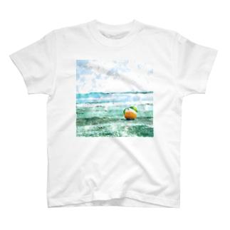 海辺のオレンジ T-shirts