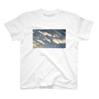 流雲群 T-shirts