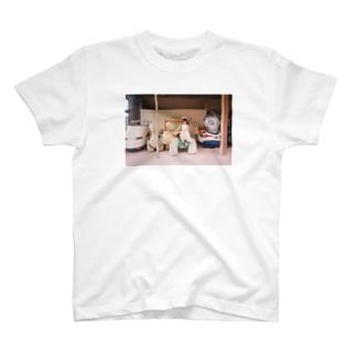 狮子乘坐女 T-shirts