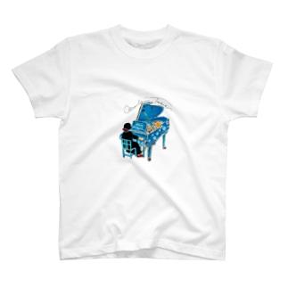 Mrs.Mana こっち向いて! T-shirts