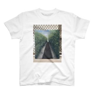 トマト畑 T-shirts
