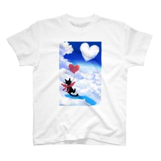 黒猫とハートの雲 T-Shirt