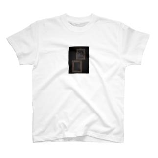 オシャレ額縁 T-shirts