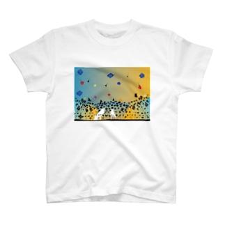 白と黒の幻想物語 T-shirts