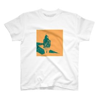 日陰の T-shirts