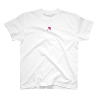 ピンクおさげの女の子 T-shirts