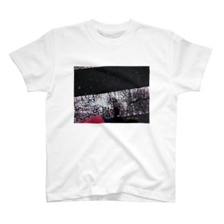 横断する T-shirts