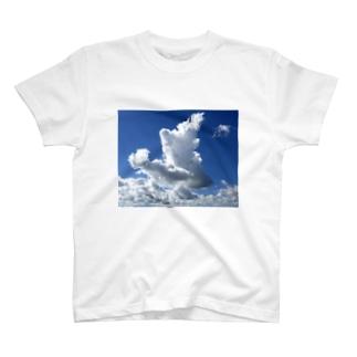 流れてきた雲 T-shirts