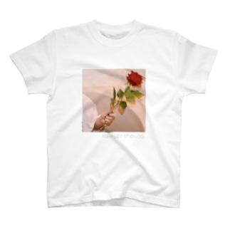 薔薇の憂い T-shirts