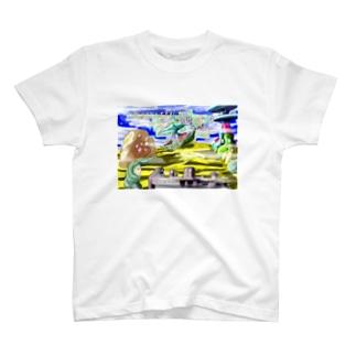 砂漠の未確認飛行体 T-shirts
