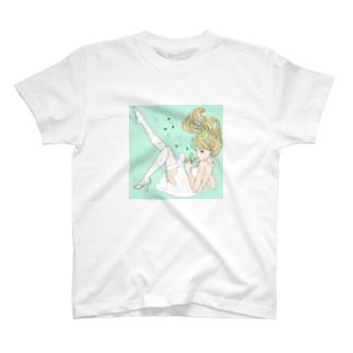 モヒートと女の子 T-shirts