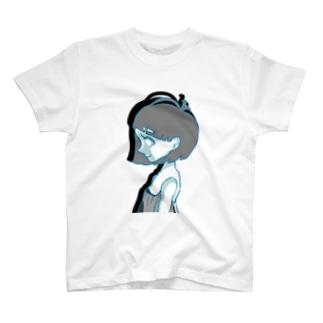 横顔の女の子 T-shirts