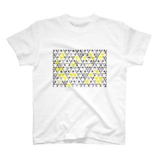 四重の鱗模様[黄色] T-shirts