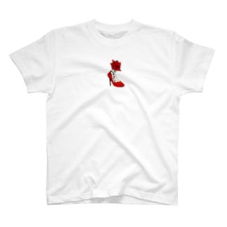 薔薇とヒール T-shirts